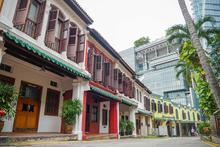 Rediscover Singapore and take a jaunt up Emerald Hill to admire the Chinese baroque-style houses along this tranquil stretch. The architecture here hails back to the 1900s so be sure to check it out after a nice meal at Window on the Park!   #TravelTuesday #TravelTip