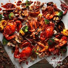 Mai Gong (Don't say) Bo-Jio! With our 1-for-1 Seafood Shell Out with your local & Asian favourites at Window on the Park, it's the best reason to bring along a friend, family or colleague for an exciting shell out dining experience alongside an endless flow of a-la carte dishes to complete the experience. Book now: http://bit.ly/ShellOutatWOP  #tgif #fridayfoodie